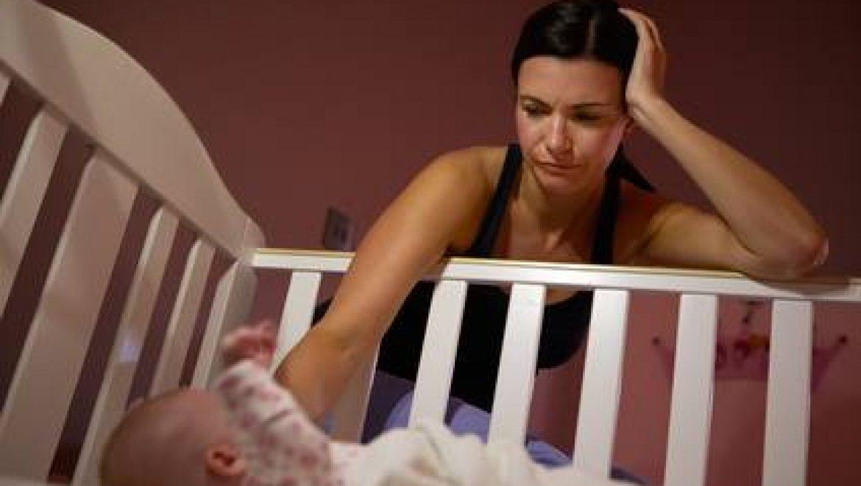 איך להתמודד עם חרדות בתקופה שלאחר הלידה